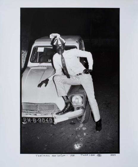 ms09-041-taximan-avec-voiture-hr-e1458927839495